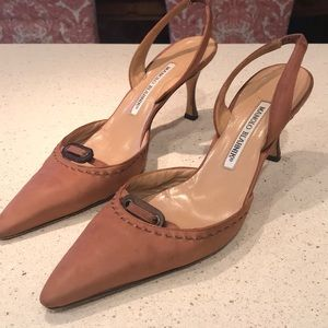 Manolo Blahnik Leather Pointed-Toe Pumps 8.5